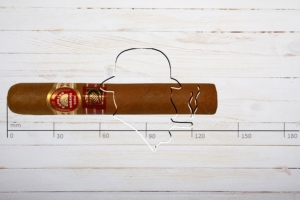 H.Upmann Royal Robusto (LCdH), Edmundo, Ring 52, Länge: 135 mm