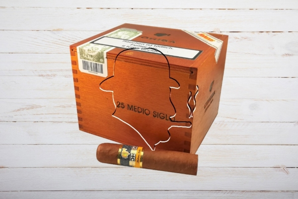 Cohiba Medio Siglo, Petit Robusto, Ring 52, Länge: 102 mm , Box 25er