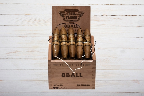 Total Flame Bright Line 8 Ball, Preferido, Ring 52, Länge 102 mm, Box 20er