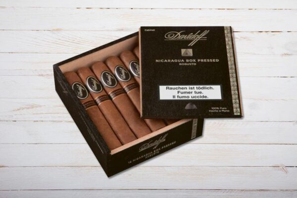Davidoff Nicaragua Box Pressed Robusto, Box 12er, Ring 48, Länge: 127 mm
