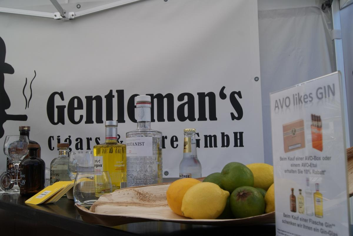 gentlemans-cigars-event-avo-likes-gin-2016-07